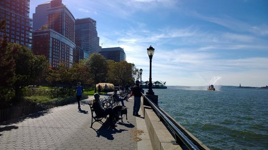 Battery park city 39 s rockefeller park picture of battery for 22 river terrace ny ny
