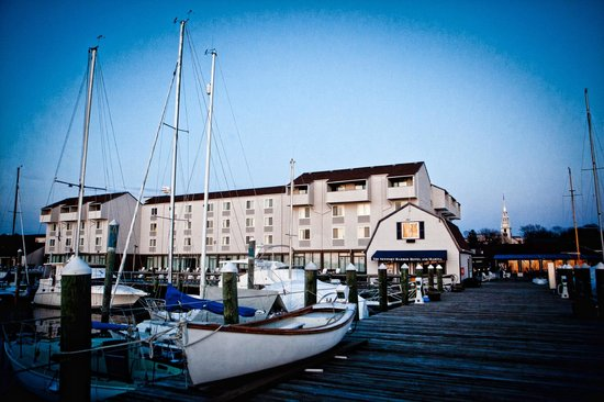 Newport Harbor Hotel & Marina Photo