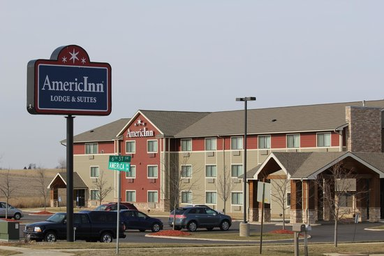 Photo of AmericInn Lodge & Suites Cedar Rapids Airport