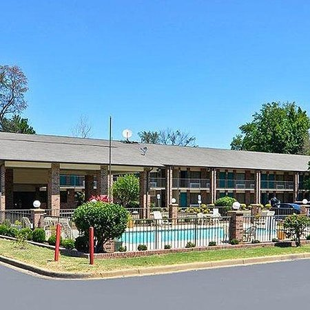 Travelers Inn And Suites Memphis