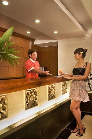 Foto di The Royal Eighteen Resort and Spa : Front Office