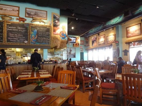 Inside picture of uncle 39 s fish market grill honolulu for Uncle s fish market and grill
