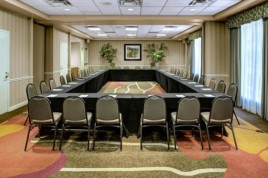 Meeting Room H Square Seating Picture Of Hilton Garden