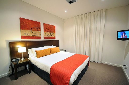 deluxe two bedroom apartment master bedroom picture of