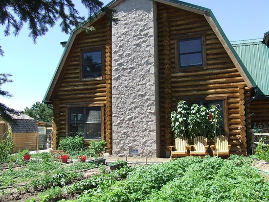 Black Forest Bed and Breakfast: Our Victory Garden