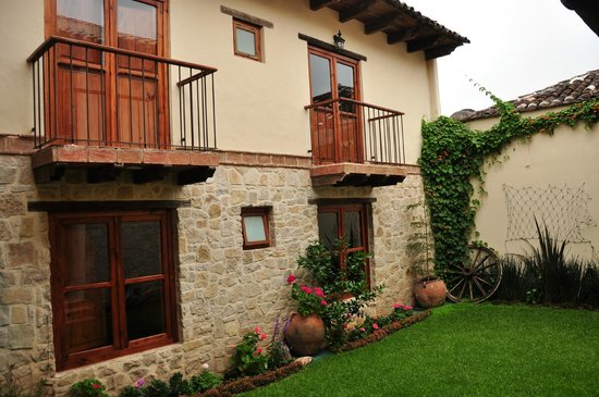 Hotel San Marcos: All rooms face an inner courtyard such as this