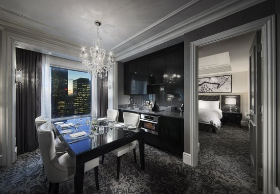 Deluxe 2 Bedroom Suite Picture Of Trump International Hotel Tower Toronto Toronto Tripadvisor