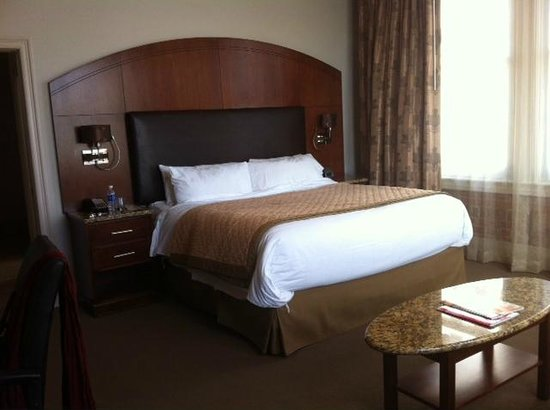 The Mining Exchange, A Wyndham Grand Hotel & Spa: Comfy bed