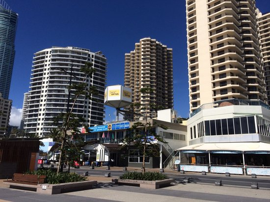 beachcomber hotel surfers paradise Photo