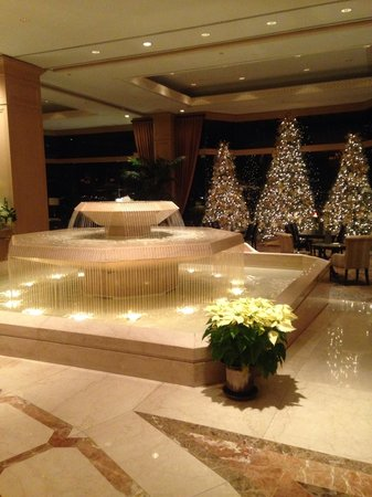 The Phoenician, Scottsdale: Holidays in the lobby
