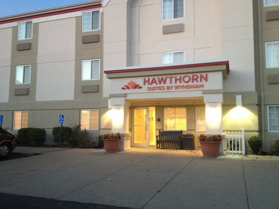 Hawthorn Suites by Wyndham Louisville