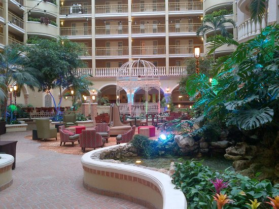 atrium entrance picture of embassy suites by hilton. Black Bedroom Furniture Sets. Home Design Ideas