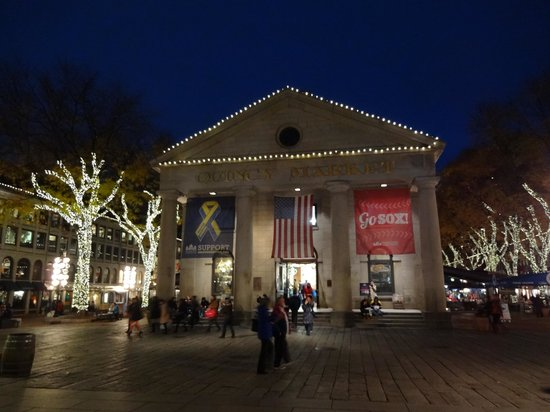 Quincy Market entry - Picture of Faneuil Hall Marketplace ...