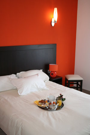 Photo of Hotel L'Aquarium Fresnes-les-Montauban