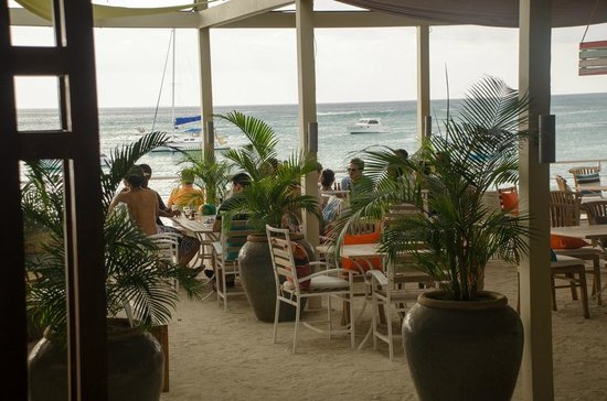 Lounge terrace picture of mavericks beach bar and for The terrace restaurant bar and grill