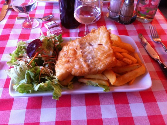 Fish and chips picture of le bistro du marin plerin for Eds fish and chips