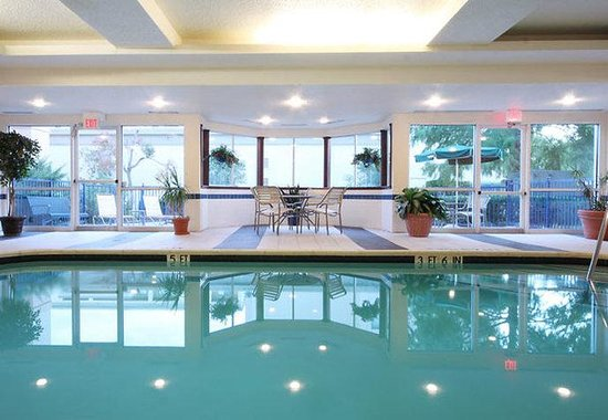Indoor pool for Hotels in dallas tx with indoor pool