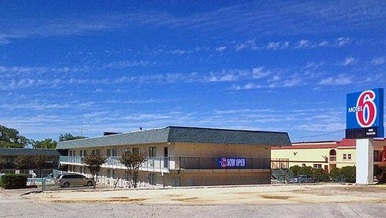 Motel 6 Temple - South