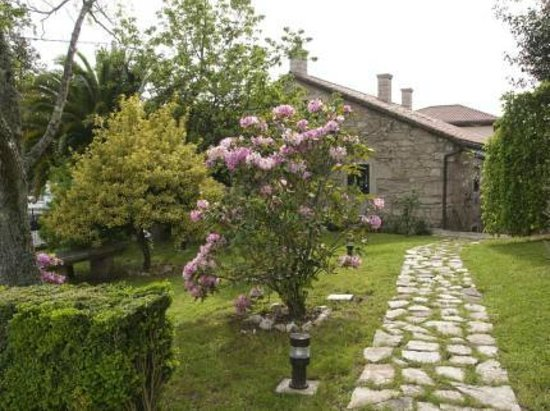 301 moved permanently for Asador para jardin