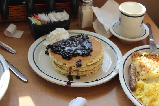 stack white chocolate pancake with strawberry sauce, YUM! - Picture ...