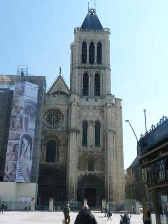 The tower under renovations picture of plaine commune grand paris tourist office saint denis - Office tourisme saint denis ...