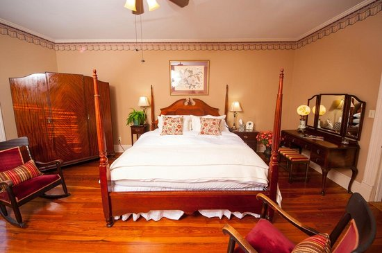 Photo of Antebellum Inn Milledgeville