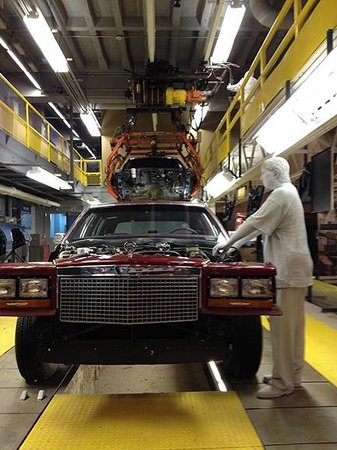 America 39 s motor city ford automobile picture of for Motor city assembly line