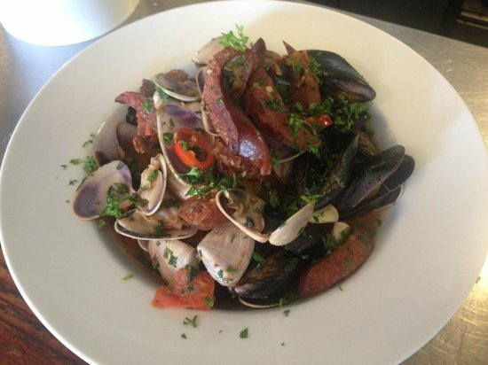... and SA Mussels with a cider, chorizo, tomato and fresh herb broth
