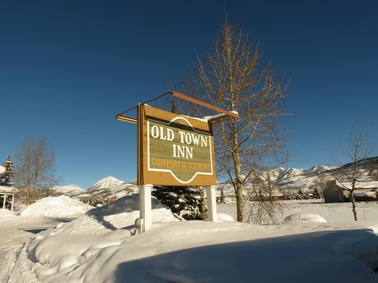 snowshoes picture of old town inn crested butte. Black Bedroom Furniture Sets. Home Design Ideas