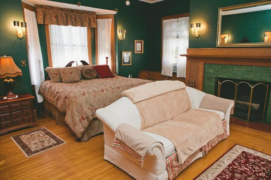 Black Swan Inn Bed and Breakfast