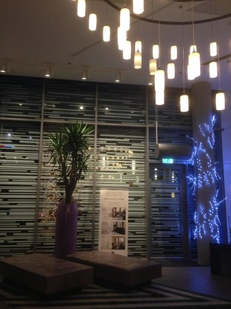 DoubleTree by Hilton Hotel Amsterdam Centraal Station: Reception