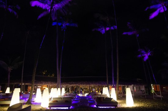 Paradisus Punta Cana: This bar lit up on the beach, at night.
