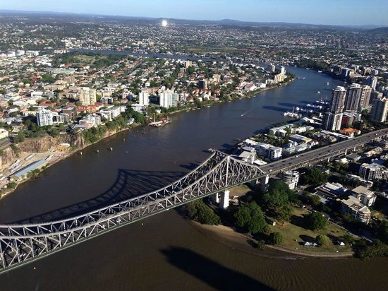 storey bridge from the dining room picture of meriton. Black Bedroom Furniture Sets. Home Design Ideas