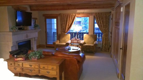 The Chateaux Deer Valley: Living area
