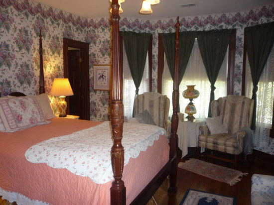 Manassas Junction Bed and Breakfast: Prescott Room