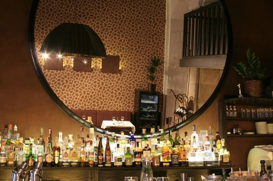 Restaurant picture of giraffe bar restaurant lounge for Food bar giraffe