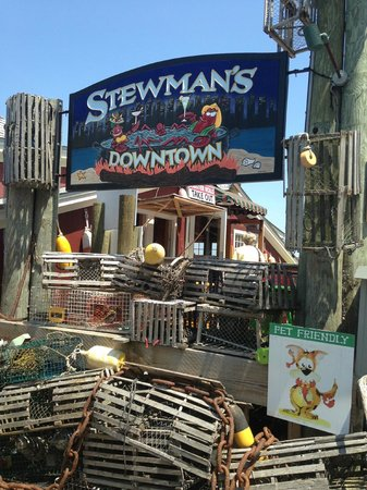 Stewman 39 s outside picture of stewman 39 s downtown lobster for Food bar harbor me