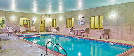 Hotels Near Six Flags Over Texas With Indoor Pool