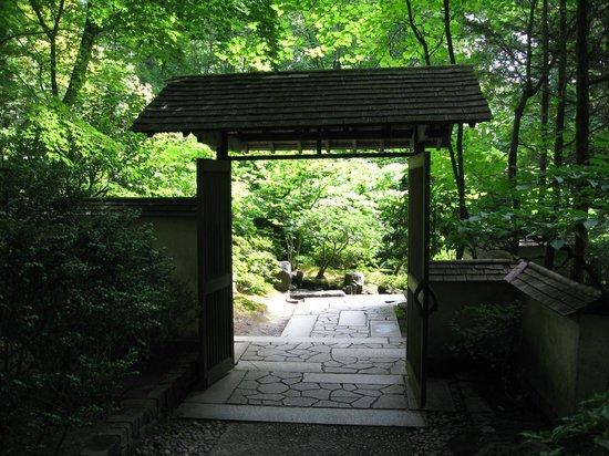 Japanese garden entrance picture of portland japanese for Japanese garden entrance