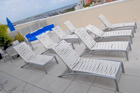 hotel indigo fort myers downtown river district roof top. Black Bedroom Furniture Sets. Home Design Ideas
