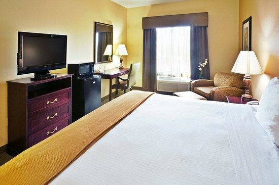 Holiday Inn Express Texarkana: King Bed Guest Room