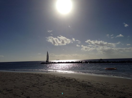 View from beach photo de four seasons resort nevis west for Aparthotel adagio barcelone