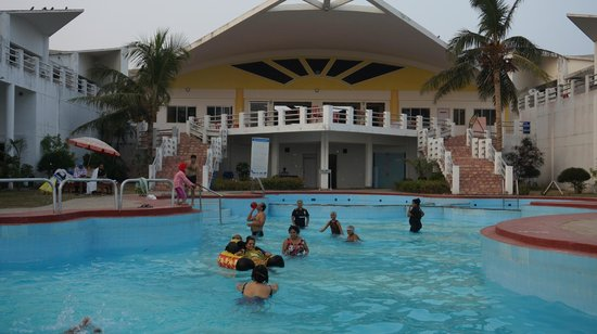 Golden Sands Resort Swimming Pool Picture Of Puri Golden Sands A Sterling Holidays Resort