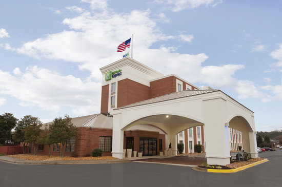 ‪Holiday Inn Express Fredericksburg Southpoint‬