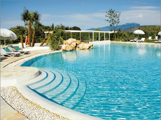 Color hotel bardolino lake garda italy hotel reviews Color hotel italy