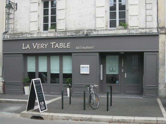 Fa ade picture of la very table angouleme tripadvisor - La table parisienne angouleme ...