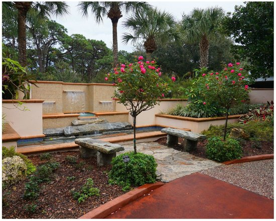 Small Garden Off Wedding Path Picture Of Florida Botanical Gardens Largo Tripadvisor