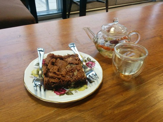 Best brownie in town with floral tea!
