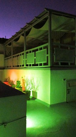 Riad Chi-Chi: Roof Terrace at Night