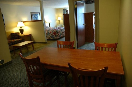 Holiday Inn Express Hayden-Coeur D'Alene North: 2 Room Family Suite
